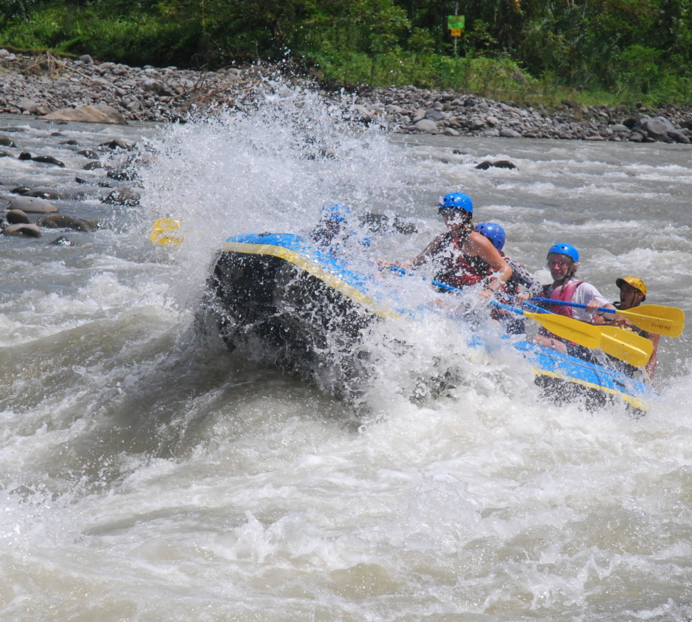 rafting with costa rica extreme
