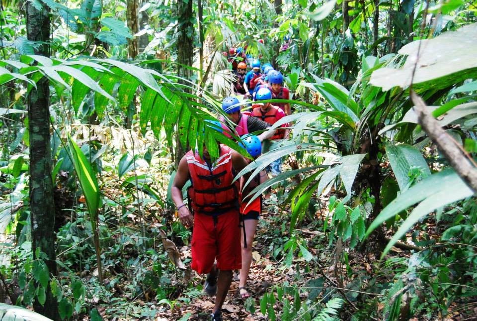 rafting and hiking vacation in costa rica